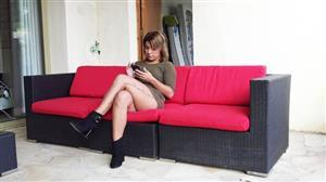 jacquieetmicheltv-21-07-09-alicia-is-having-fun.jpg