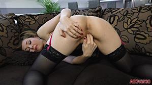 allover30-21-07-17-luca-bella-mature-pleasure.jpg