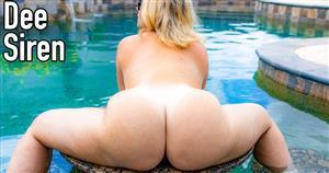 mrssiren-21-07-06-playing-naked-in-the-pool.jpg