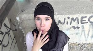 sexwithmuslims-e154-izzy-dark.jpg